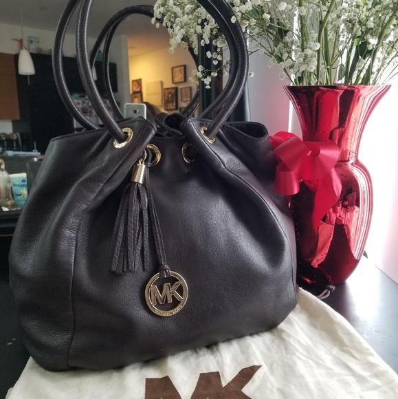 Michael Kors Handbags - Large Michael Kors BoHo Purse Handbag